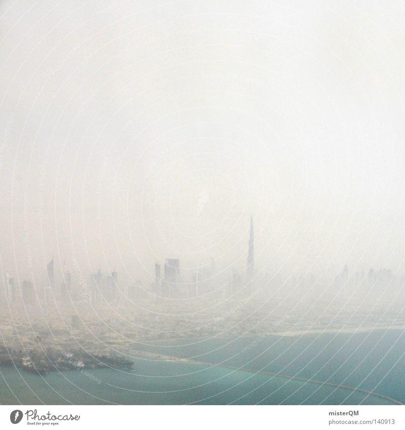 Stadt im Nix. Ferien & Urlaub & Reisen Sommer Meer Strand Umwelt dunkel Wärme grau Küste Horizont Wetter Zusammensein Nebel Freizeit & Hobby dreckig