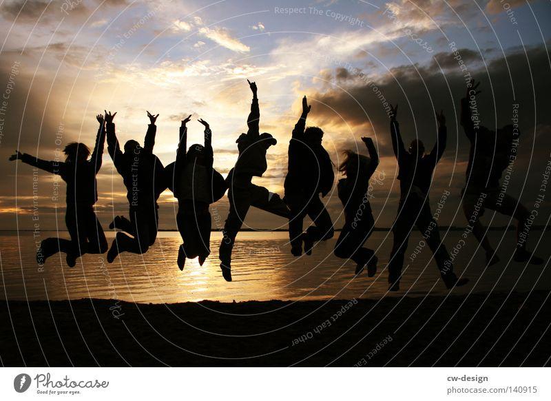 WER BIN ICH UND WENN JA WIEVIELE Mensch Jugendliche Ferien & Urlaub & Reisen Sonne Sommer Meer Strand Freude Wolken Mann Frau feminin Leben Freiheit Küste Menschengruppe