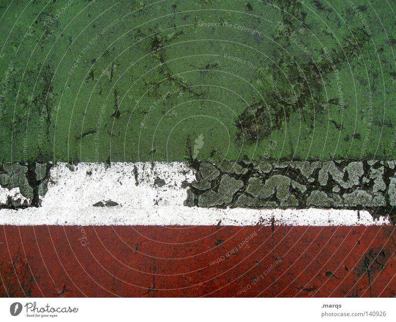 Italia alt rot weiß Feld grün Italien Linie Streifen Sportler verfallen Sportplatz Bewegung Farbe Vergänglichkeit Spielen Außenaufnahme