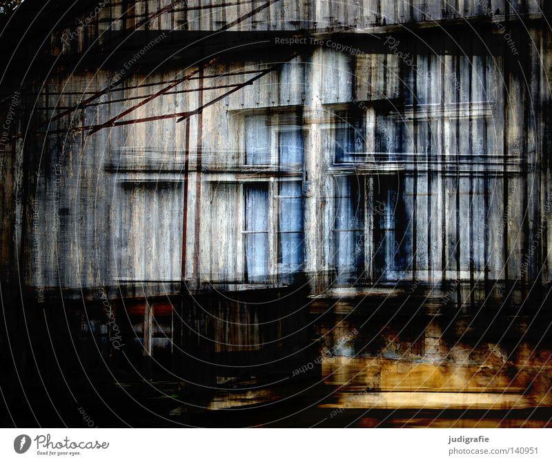 Sichtbar Haus Fenster Holz Fassade alt verfallen Gebäude Häusliches Leben Glas Doppelbelichtung Gardine Vorhang Farbe mehrfachbelichtung