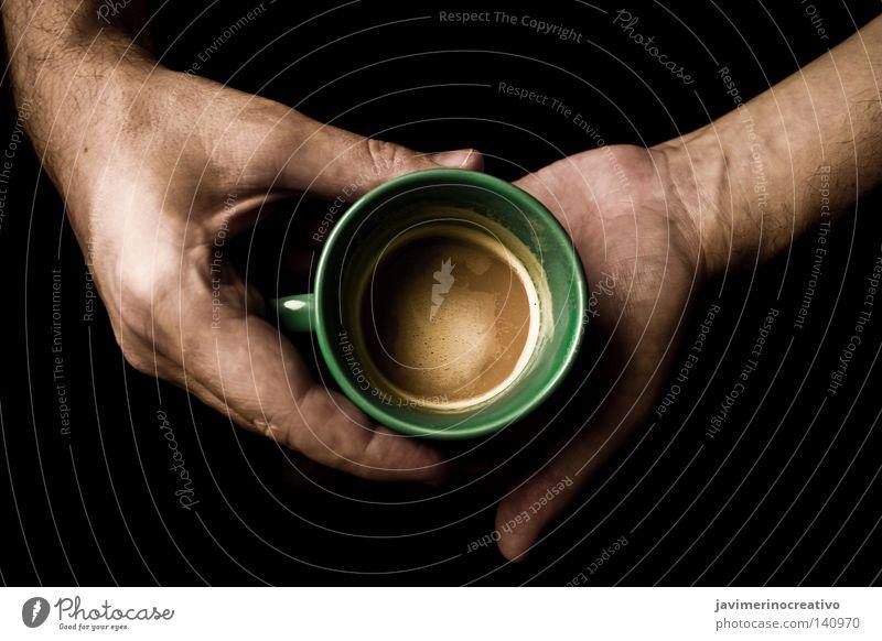 decaffeinated Hand grün Winter schwarz Traurigkeit Arme Finger Häusliches Leben Kreis Kaffee trinken Konzentration Gelassenheit Tasse Spanien Schaum