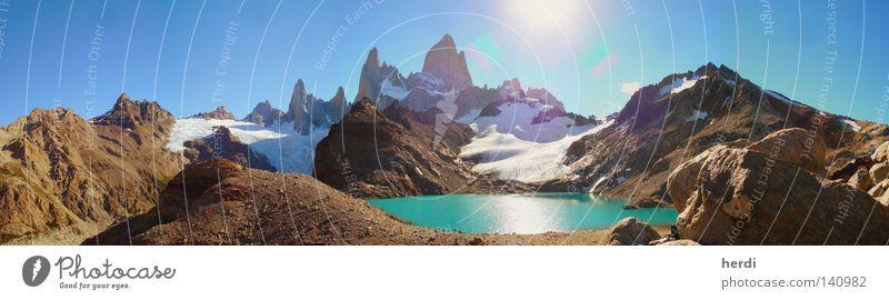 Fitz Roy in Patagonien Gletscher Berge u. Gebirge Südamerika Wasser Gebirgssee Himmel Sonne Panorama (Aussicht) Felsmassiv groß Panorama (Bildformat)