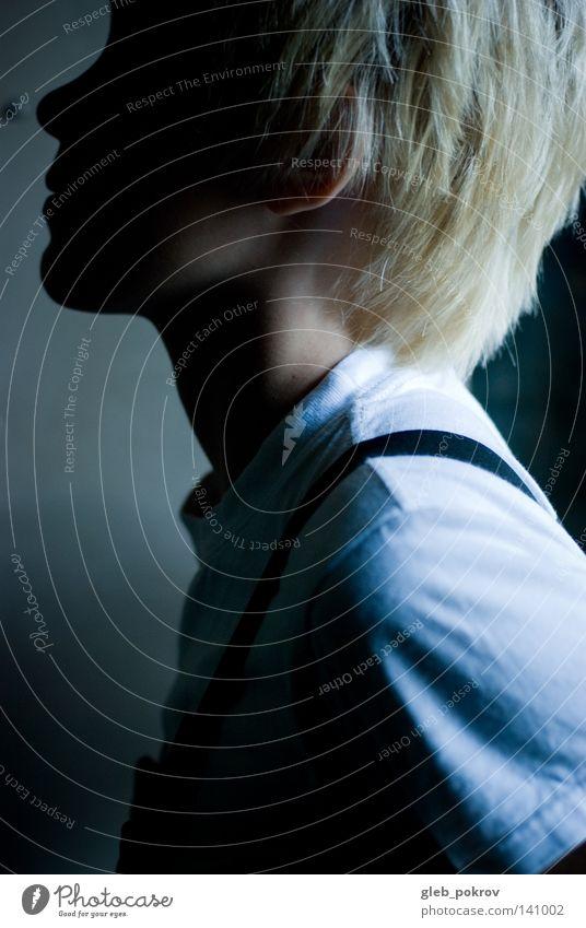 Licht. Mädchen Porträt T-Shirt Lichterscheinung Ohr Frau schön Bekleidung Blondine Blitzeffekt Profil Körperhaltung