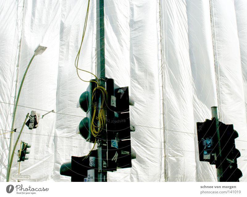 was war warum weiß grün rot gelb grau Luft hell Wind gehen Elektrizität Kabel Baustelle Schutz Stahlkabel Laterne Verkehrswege