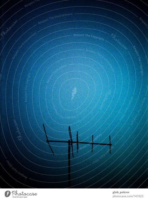 alte Medien. Himmel Licht Lichterscheinung Kommunizieren Russland Sibirien Kino Theater Lichtquelle Blitzeffekt Antennen Zenit Filmdruck Kommunikationen