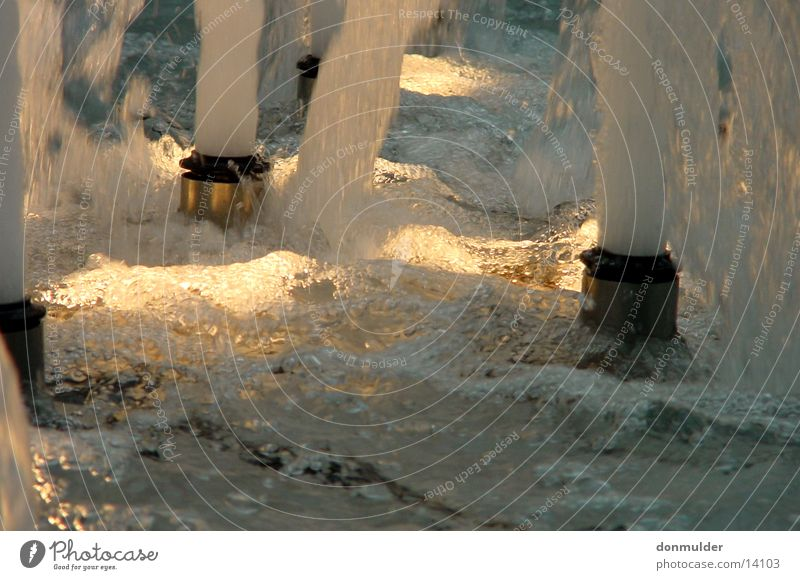 Wasserspiele Wasser Bewegung Freizeit & Hobby Mineralwasser Trinkwasser