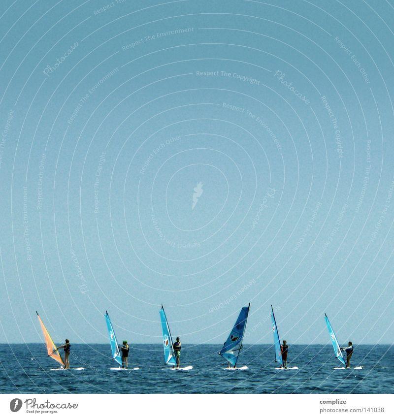 Surfen für Anfänger 2.0 Mann Wasser Ferien & Urlaub & Reisen Meer Strand Sport Spielen Küste Freiheit Sand Horizont Wasserfahrzeug Wetter Wellen gehen