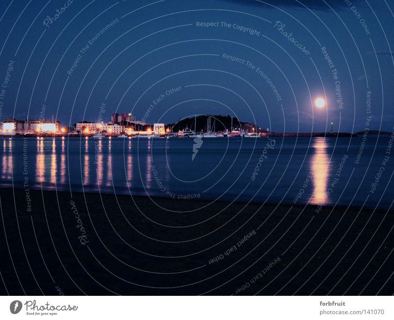 Mondlicht erleuchtet ! Langzeitbelichtung Macht Mondschein Licht Reflexion & Spiegelung Wasser Meer Strand Sand Hafen Kulisse Lichtermeer Erkenntnis Idylle