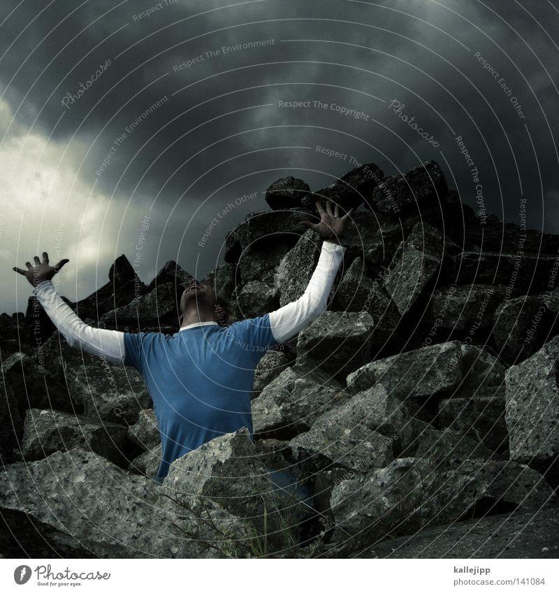 schwanzparade Spielen Torwart fangen Applaus Bauschutt Haufen Beton Ruine Insolvenz Statue Mann Mensch Felsen Pokal Krieg Kampfsport kämpfen Kriegsschauplatz