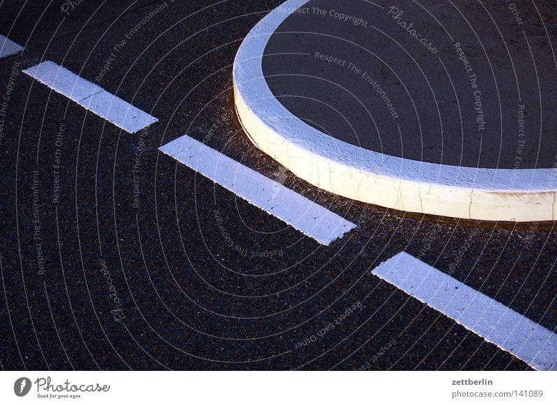 Tangente Linie Schilder & Markierungen Verkehr Kommunizieren Information Mitte Bürgersteig Verkehrswege führen Warnhinweis Parkbucht Fahrbahn Treppenabsatz