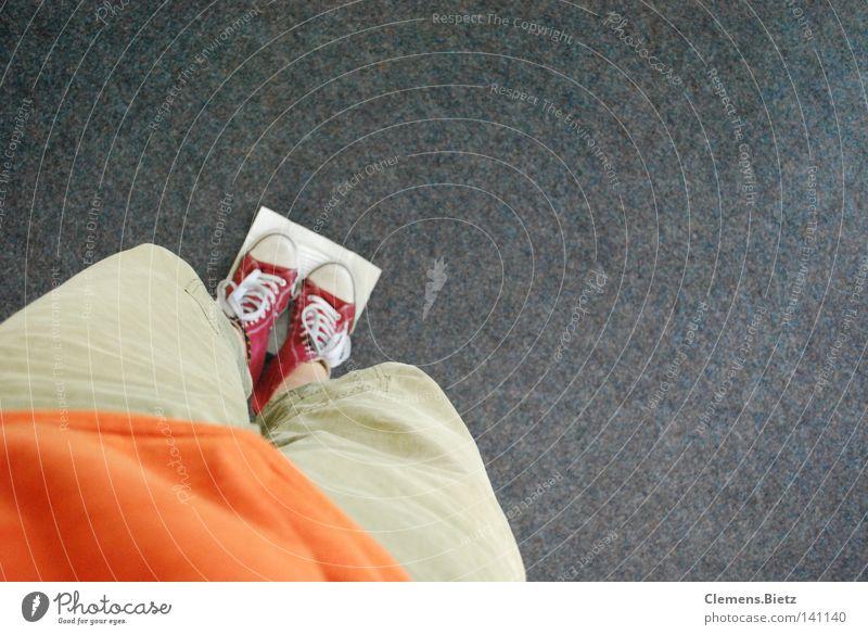 Blos nichts dreckig machen Angst dreckig Geschwindigkeit Bodenbelag Hose Chucks Turnschuh Panik Taschentuch