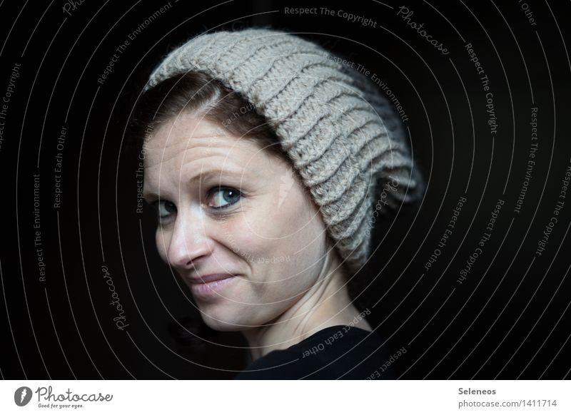 Mützenkopf Haare & Frisuren Haut Gesicht Kosmetik Schminke Wimperntusche Mensch feminin Frau Erwachsene Auge Nase Mund Lippen 1 18-30 Jahre Jugendliche Winter