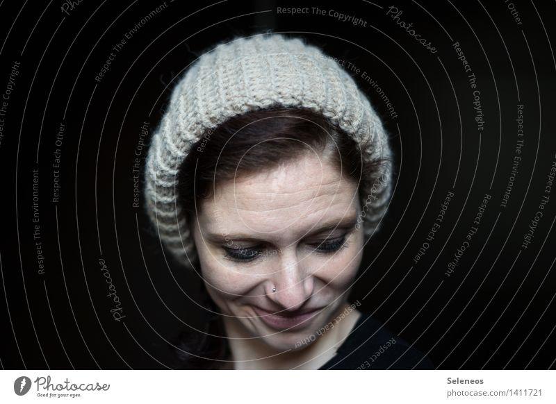 warme Platte Mensch feminin Frau Erwachsene Kopf Haare & Frisuren Gesicht Nase Mund 1 18-30 Jahre Jugendliche Winter Accessoire Mütze Wollmütze frieren kalt