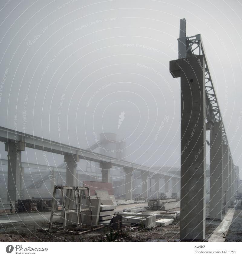 Betriebsklima Arbeit & Erwerbstätigkeit Zufriedenheit Nebel Kraft stehen Perspektive Technik & Technologie groß Klima Beton Industrie planen Baustelle fest