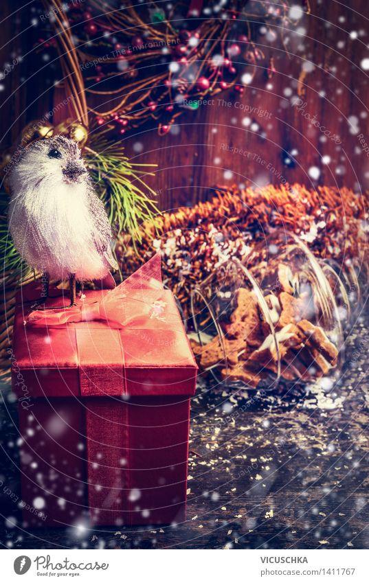 Weihnachtskarte mit rotem Geschenk Box, Vogel und Schnee Weihnachten & Advent Haus Winter Schnee Stil Holz Feste & Feiern Vogel Wohnung Design Dekoration & Verzierung Tisch Geschenk retro Postkarte Tradition