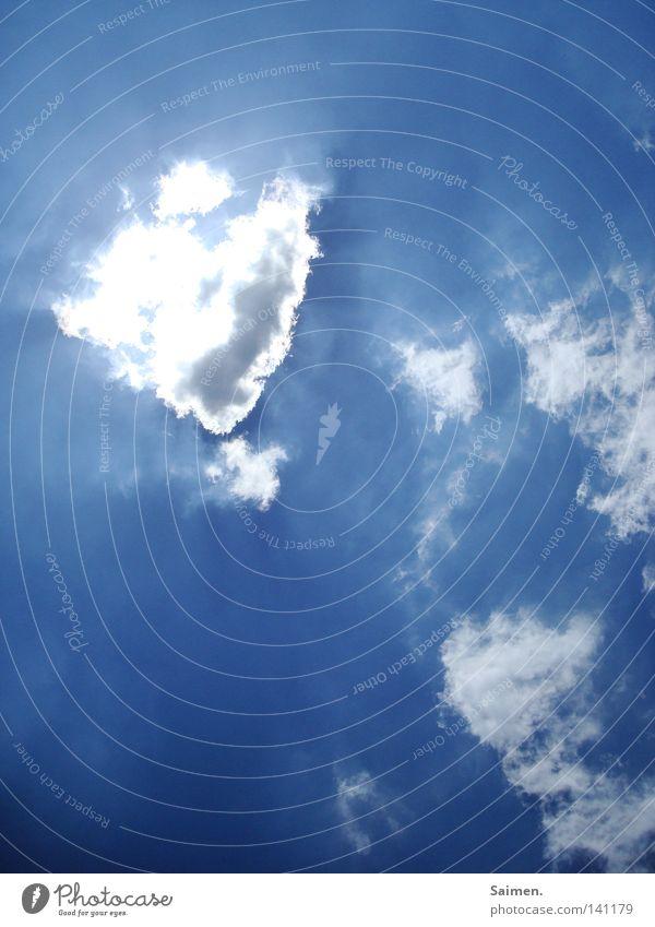 himmlisch Wolken Himmel blau weiß strahlend Sonne Sonnenstrahlen Kontrast tief hell blenden Beleuchtung Klarheit Sommer superhell
