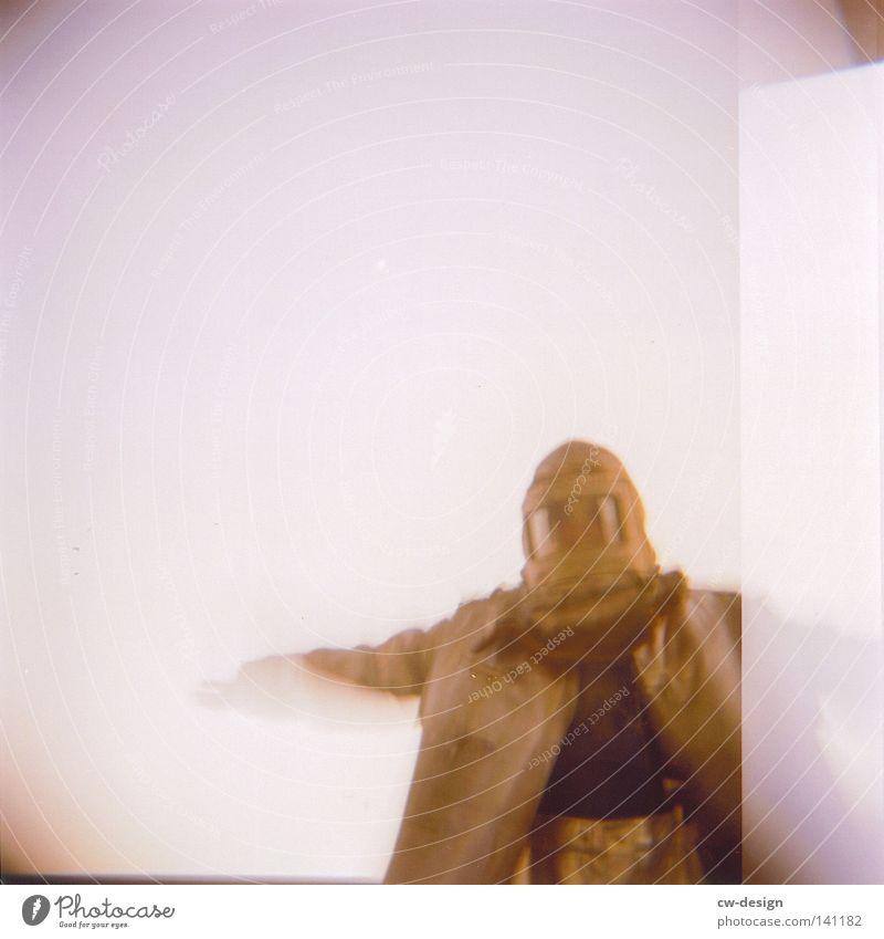 hOlGa | industrial worker Holga mehrfarbig Aussicht Luft Horizont Schatten beige Abend Mann Stil flach Quadrat gelb braun Ocker Richtung Langeweile Design