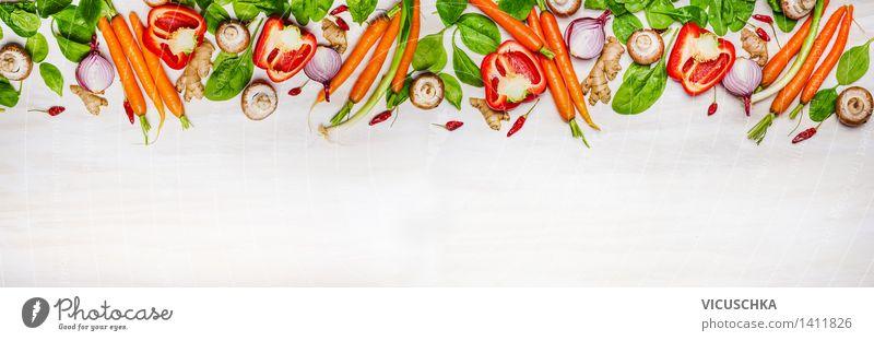 Auswahl an Bio-Gemüse und Zutaten für Gesundes Kochen Sommer Gesunde Ernährung Leben Stil Hintergrundbild Garten Lebensmittel Design frisch Tisch