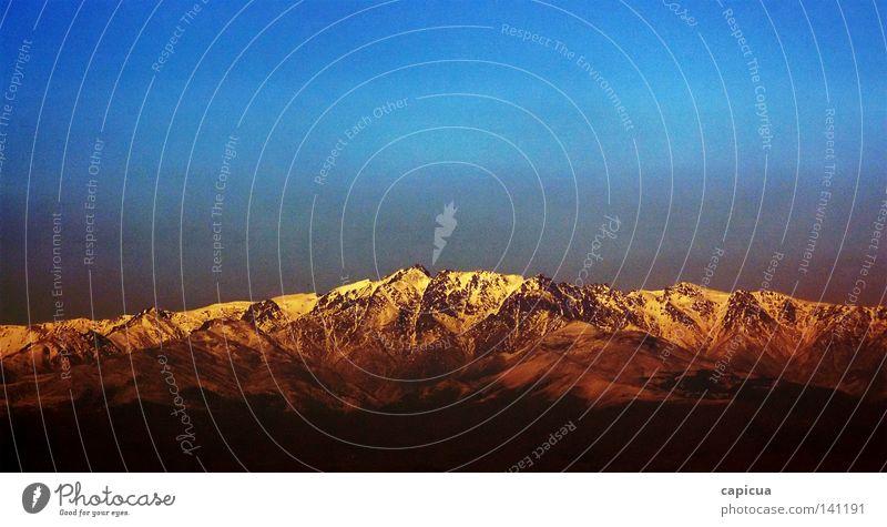 In die Berge Berge u. Gebirge Felsen Spanien Dach robust Ferne Steigung