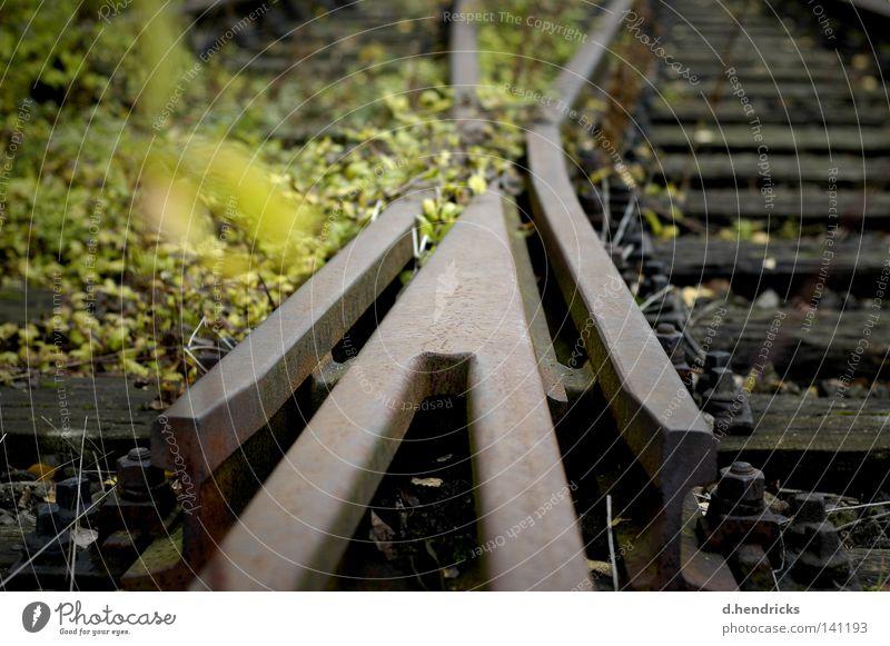 crossing Wege & Pfade trist wild Gleise verfallen schäbig Wegkreuzung Weiche