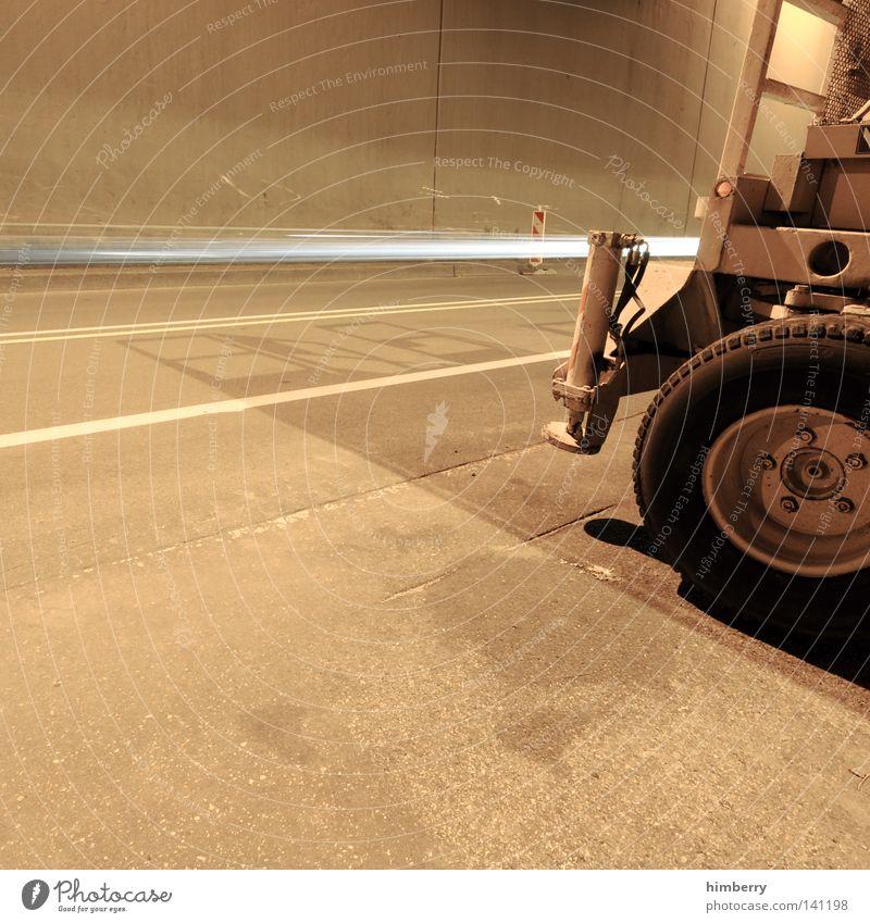 ego shooter Spielen Stahl Maschine Tunnel Beton Ego-Shooter Scharfschütze Krieg Reifen Baustelle Handwerk Straßenbau Autobahn Patrouille Industriefotografie