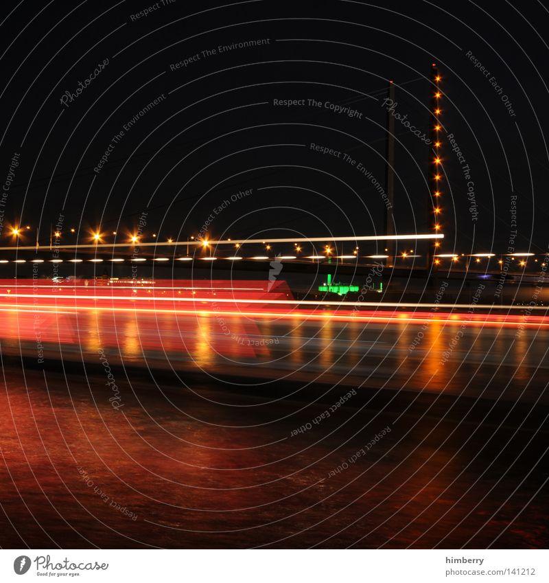 ports of call Düsseldorf Brücke Stadt Abend Lifestyle modern Straße Nachtleben Lampe Beleuchtung Veranstaltungsbeleuchtung Langzeitbelichtung Belichtung