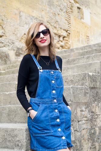 Mensch Jugendliche schön Junge Frau Erotik 18-30 Jahre Erwachsene feminin Stil Mode elegant blond Kirche niedlich Model Rock