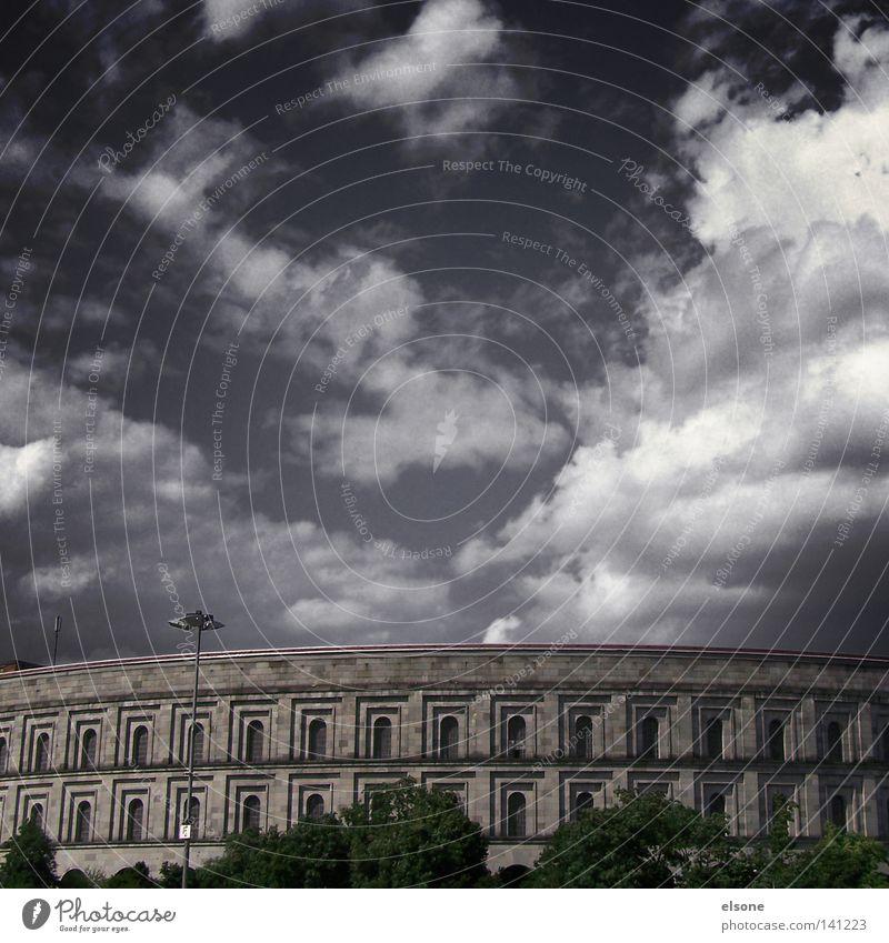 ::ROM IN NUERNBERG:: Nürnberg Wolken Olympia Kongesshalle Nürnberg Unternehmen historisch reichsparteitag Reichsparteitagsgelände konkress