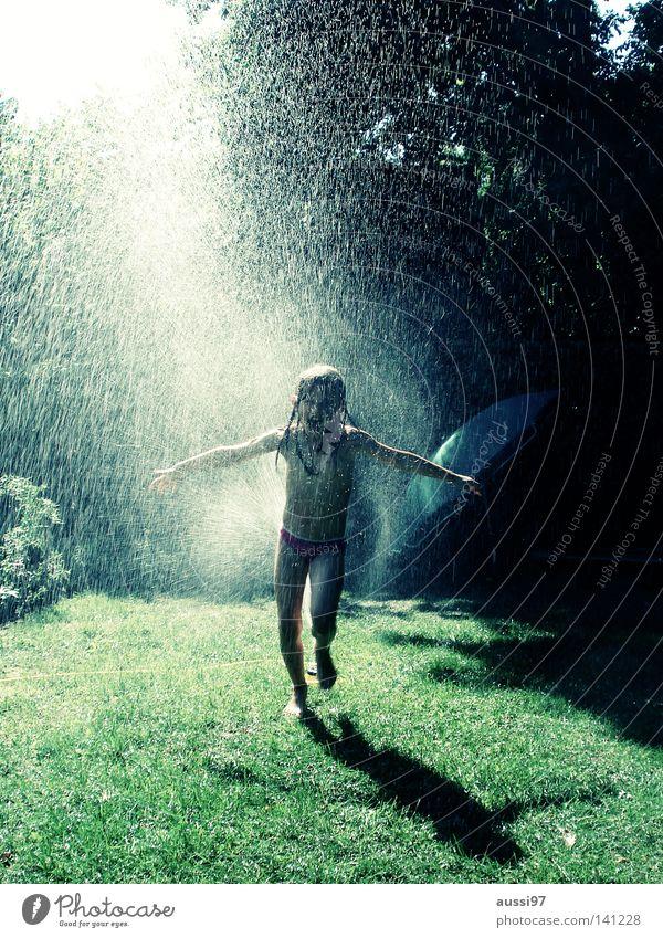 Funkenregen II Kind Sonne Ferien & Urlaub & Reisen Freude Spielen rein Sommerferien Gartenschlauch Rasensprenger