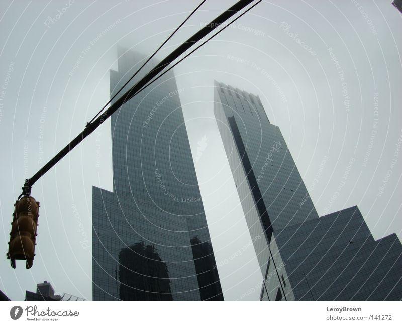 Nebel über New York Stadt Architektur Nebel Hochhaus Stadtzentrum Ampel New York City