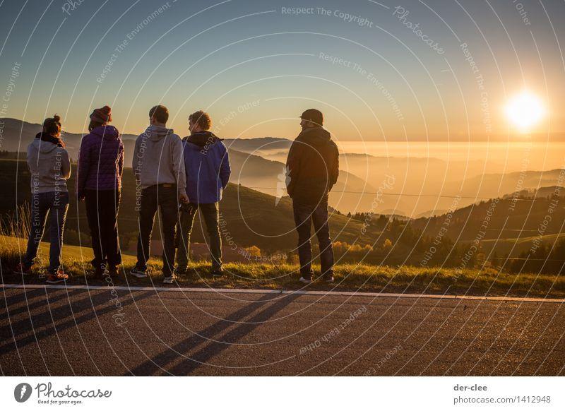 Inversion! Sinnesorgane Erholung Ausflug Ferne Freiheit Sonne Berge u. Gebirge Mensch Junge Frau Jugendliche Junger Mann Erwachsene Freundschaft 5