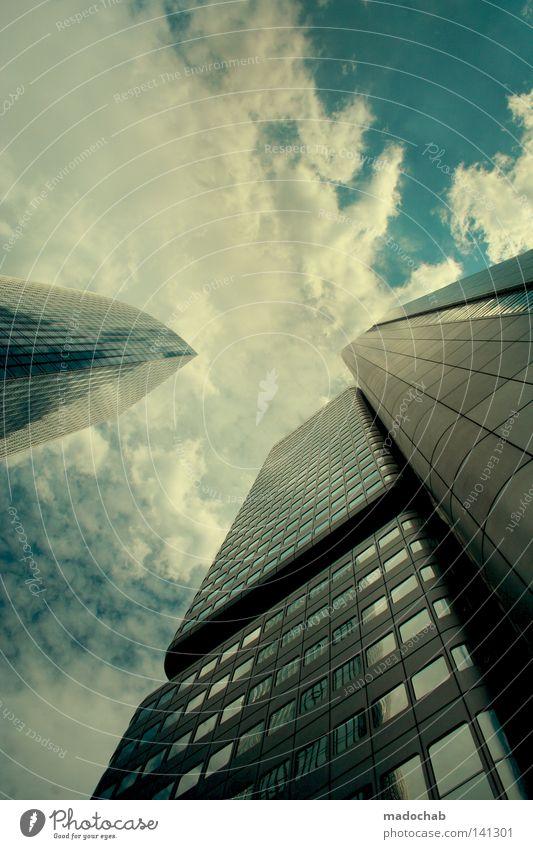 BABELMODUS Bankenviertel Hochhaus Frankfurt am Main Manhattan groß Macht Koloss Lichtfleck Reflexion & Spiegelung strahlend Sonnenstrahlen grell beeindruckend
