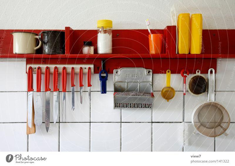 Ordnung von Dingen Topf Messer schön Leben Dekoration & Verzierung Küche Mauer Wand Sieb Zahnbürste alt Farbe Behälter u. Gefäße Regal Büchse Fuge Ablage Griff