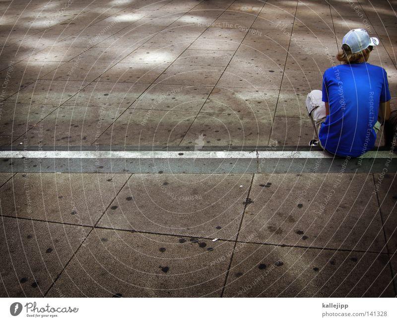 blue sky mining Mensch Mann Jugendliche alt blau weiß Einsamkeit Erwachsene grau Stil Freizeit & Hobby Rücken sitzen Beton groß Platz