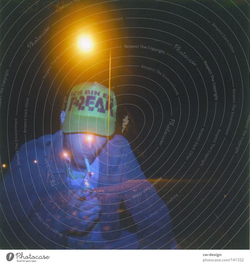 hOlGa   to freak out Holga mehrfarbig Aussicht Luft Horizont Schatten beige Abend Mann Stil flach Quadrat gelb braun Ocker Richtung Langeweile Design dreckig