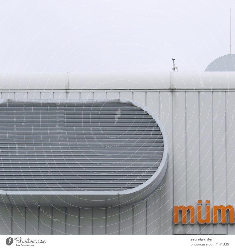 [HH08.2] mümmelmannsbergphotocasehamburgfototour weiß Wolken Haus Fenster Wand Architektur Gebäude Wetter orange modern Schriftzeichen Dach rund Buchstaben