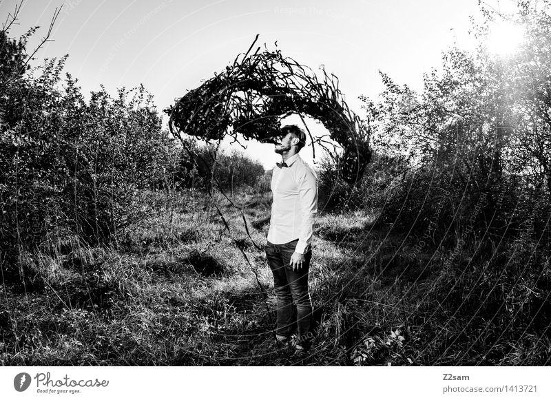 Es gibt keinen Löffel Lifestyle elegant Stil maskulin Junger Mann Jugendliche 30-45 Jahre Erwachsene Natur Landschaft Sonne Schönes Wetter Sträucher Mode Hemd
