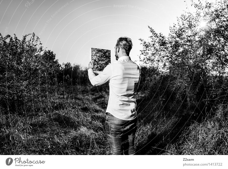 Portrait - ganz natürlich Lifestyle elegant Stil maskulin Junger Mann Jugendliche 18-30 Jahre Erwachsene Umwelt Natur Landschaft Pflanze Sträucher Mode Hemd
