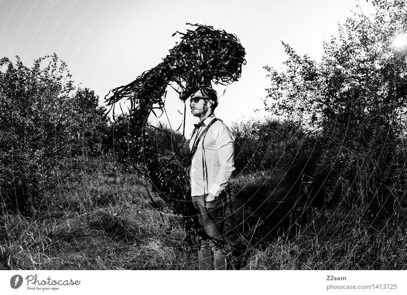 Der Schwarm Natur Jugendliche Sonne Junger Mann dunkel Erwachsene Herbst Stil Lifestyle Mode maskulin elegant stehen Sträucher Technik & Technologie Zukunft
