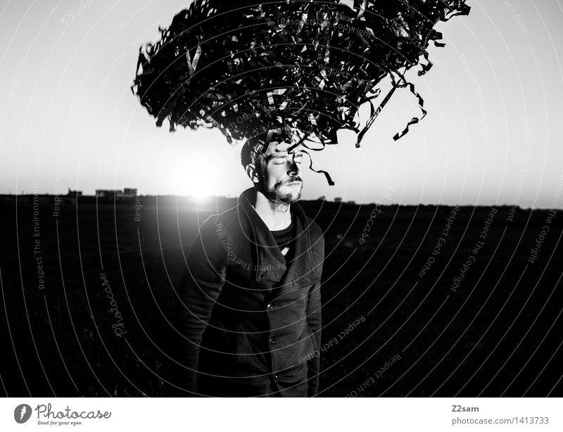 Metamorphose Natur Jugendliche Junger Mann Landschaft 18-30 Jahre dunkel Erwachsene Umwelt Herbst Wiese Stil Denken Lifestyle Haare & Frisuren Mode träumen