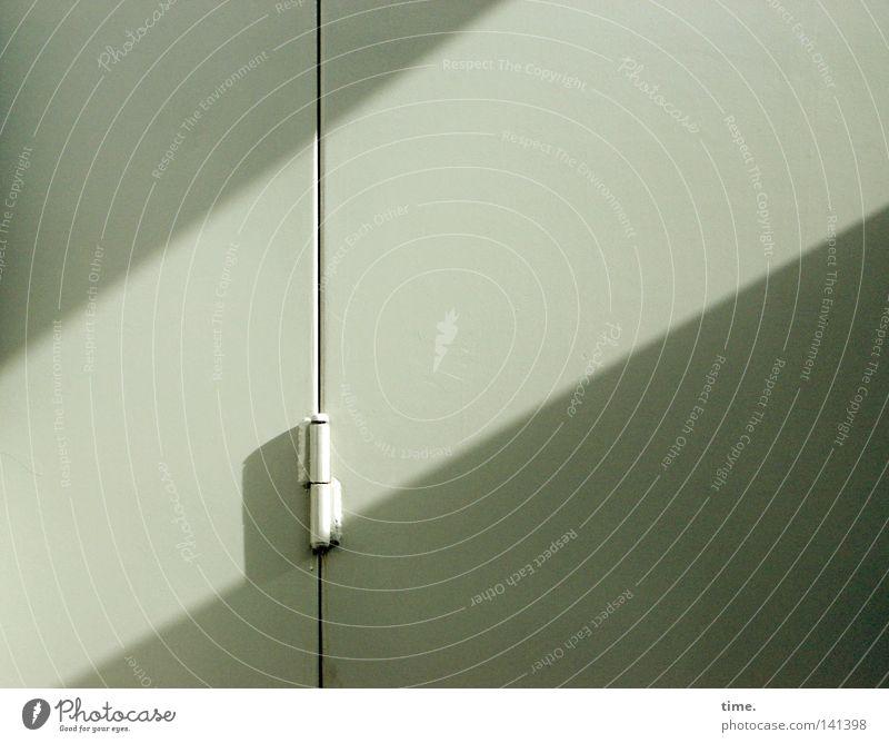 HH08.2 - Die Ruhe im Sturm Tür authentisch Stahl diagonal Furche vertikal Scharnier