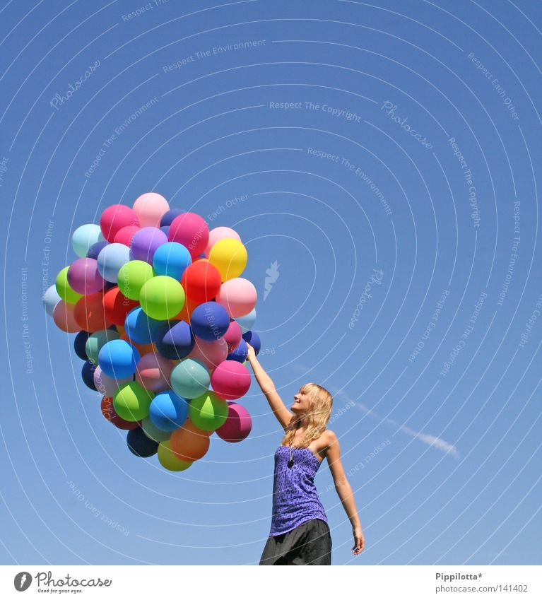 ~viva la vida~ Himmel blau Sommer Freude Farbe Luft Wind fliegen hoch mehrere Luftballon viele