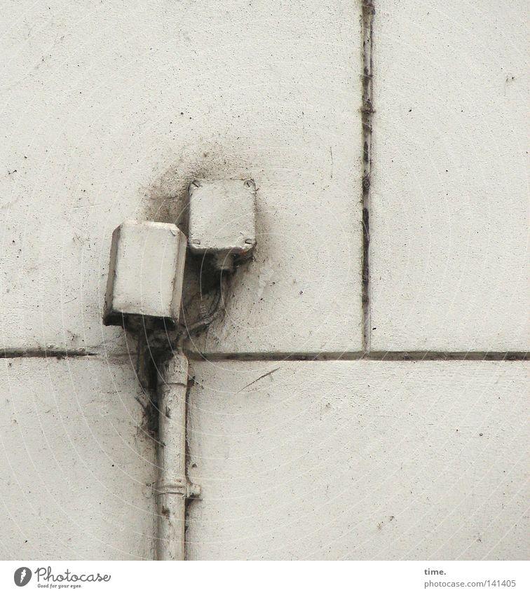 HH08.2 - Alte Liebe Elektrizität Dose Ziel elektronisch Klammer Ecke Schraube Partnerschaft Gebet durcheinander Kupferdraht grau Detailaufnahme Handwerk