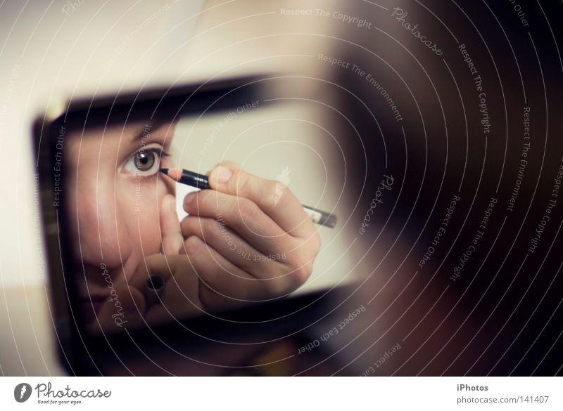 iLiner Spiegel ausgehen Glamour Frau Schreibstift Schminke Schminken Freude Club Auge eye eyeliner Blick Feste & Feiern Abend