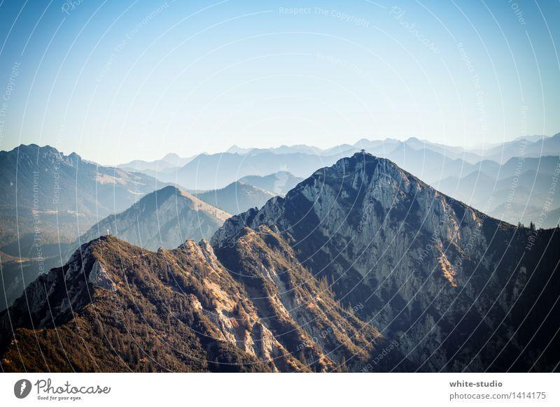 Gipfel ohne Ende Natur Landschaft Sommer Schönes Wetter Hügel Felsen Alpen Berge u. Gebirge Schlucht Erholung Fitness wandern außergewöhnlich eckig Freude