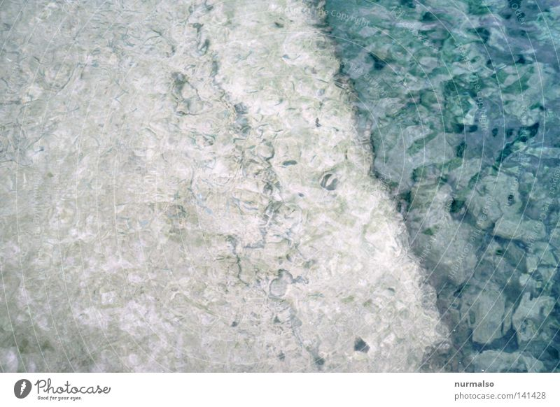 Marmorwasser Wasser Meerwasser Mittelmeer Insel blau Kalk Muschel Unterwasseraufnahme Wellen Kräusel Ecke Physik Sommer Mallorca analog Dia unruhig Bewegung