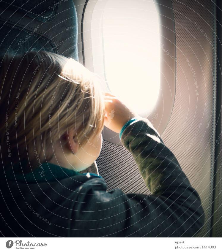 Horizonterweiterung Mensch Kind Ferien & Urlaub & Reisen Ferne Autofenster Freiheit fliegen Horizont träumen frei Luftverkehr Kindheit Perspektive Ausflug beobachten Flugzeug