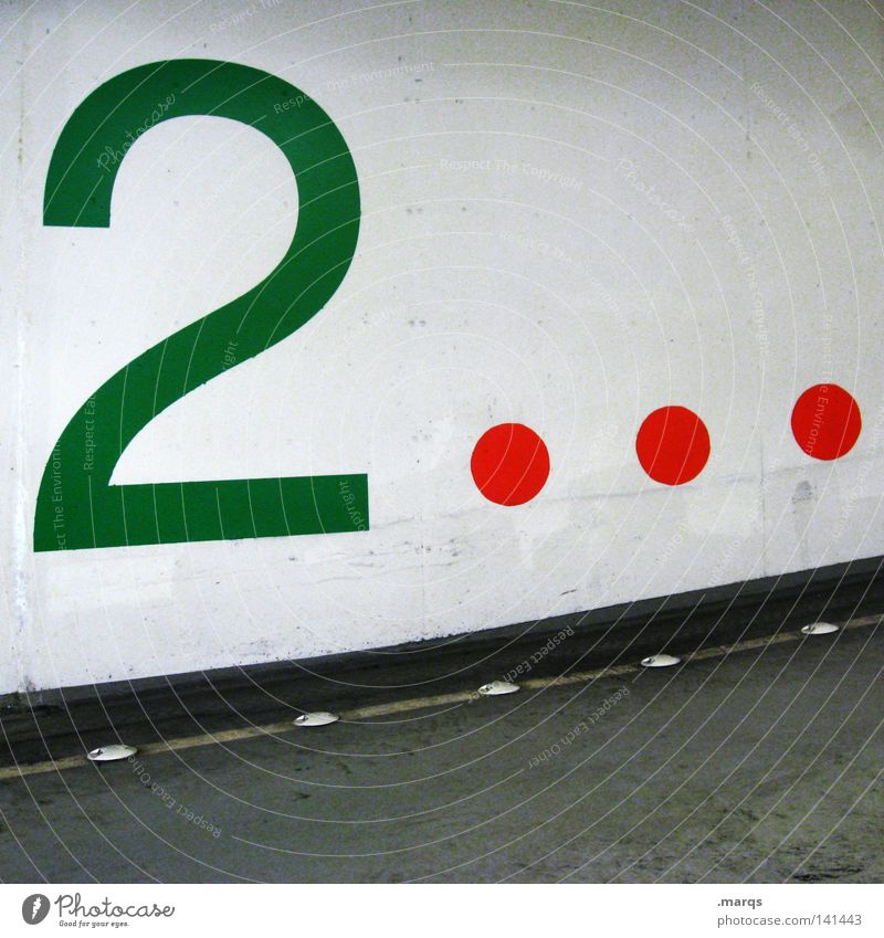 Deck zwo weiß grün rot schwarz Straße Linie 2 Verkehr Kreis paarweise rund Ziffern & Zahlen Streifen Punkt Verkehrswege Parkplatz