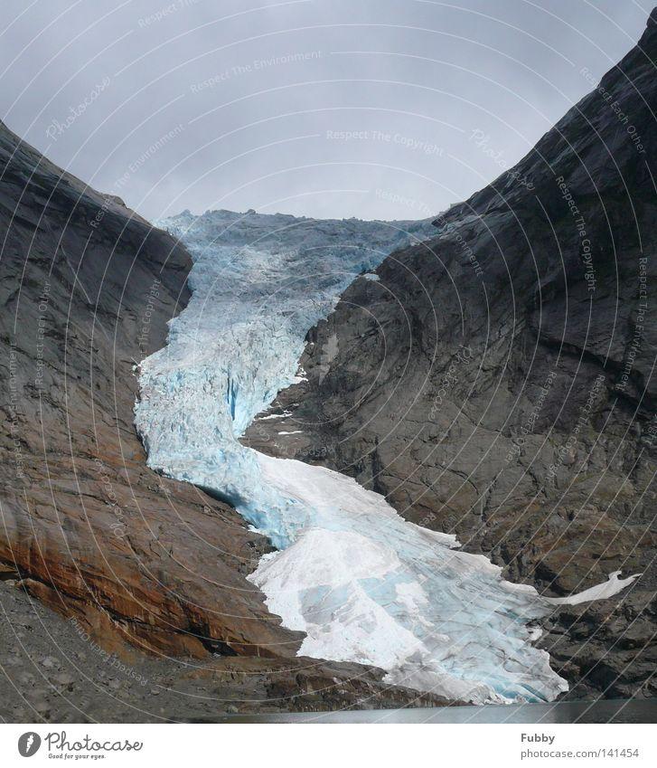 Brikdalsbreen Wasser blau kalt Berge u. Gebirge Stein Eis Felsen Norwegen Gletscher Sogn og Fjordane Gebirgssee Briksdalsbreen