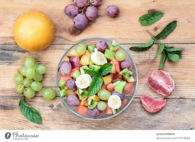 grün Holz Lebensmittel hell Frucht frisch Aussicht Tisch einfach Sauberkeit Gemüse lecker Bioprodukte Schalen & Schüsseln Top Mahlzeit